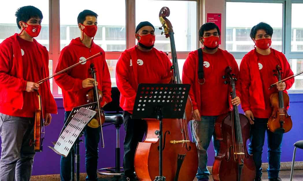 """FOJI entregó reconocimiento """"Espíritu FOJI 20 Años"""" en Valdivia y anuncia nueva sede para la Orquesta"""
